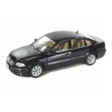 Welly 1:18 Model Araba 2001 VW Passat Sedan Siyah